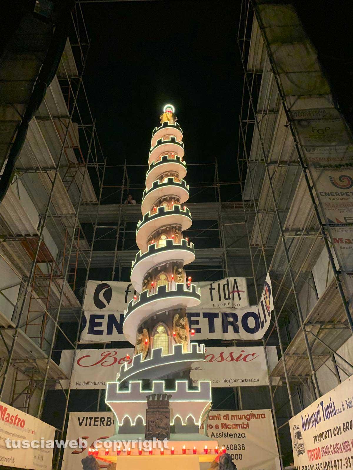 Minimacchina di santa Rosa - Spirale di fede sfila per le vie del Pilastro