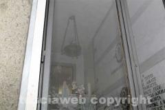 Il vetro dove si può vedere l\'immagine della Madonna