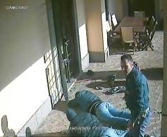 Tentato furto in villa - Le immagini dell\'arresto