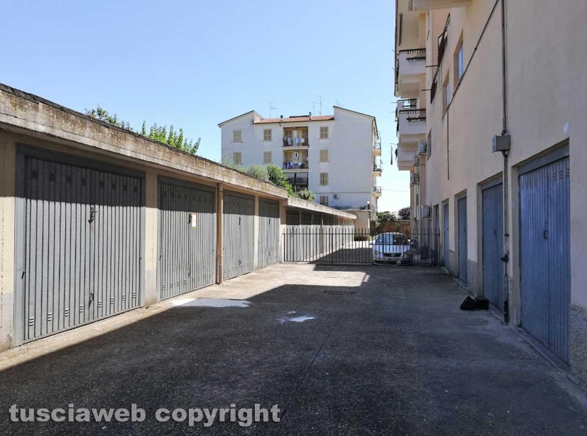 Civita Castellana - Si uccide con un colpo di pistola in garage