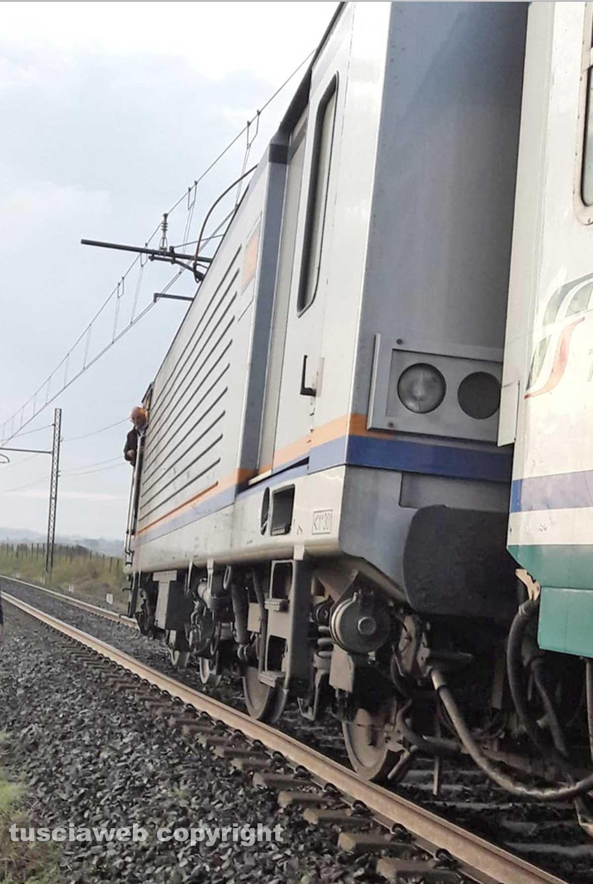 Montefiascone - Treno deraglia