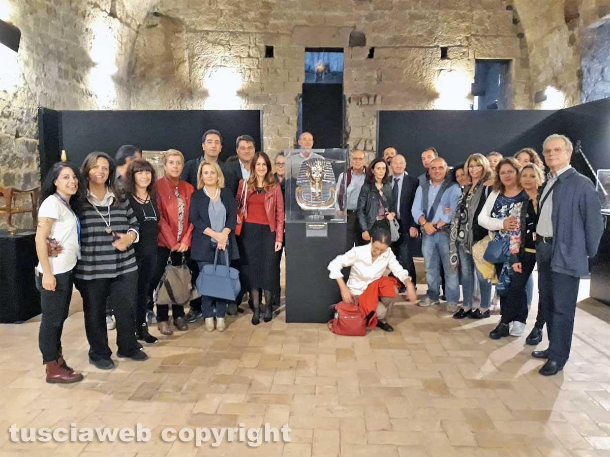 Viterbo - I dipendenti del Tribunale alla mostra su Tutankhamon
