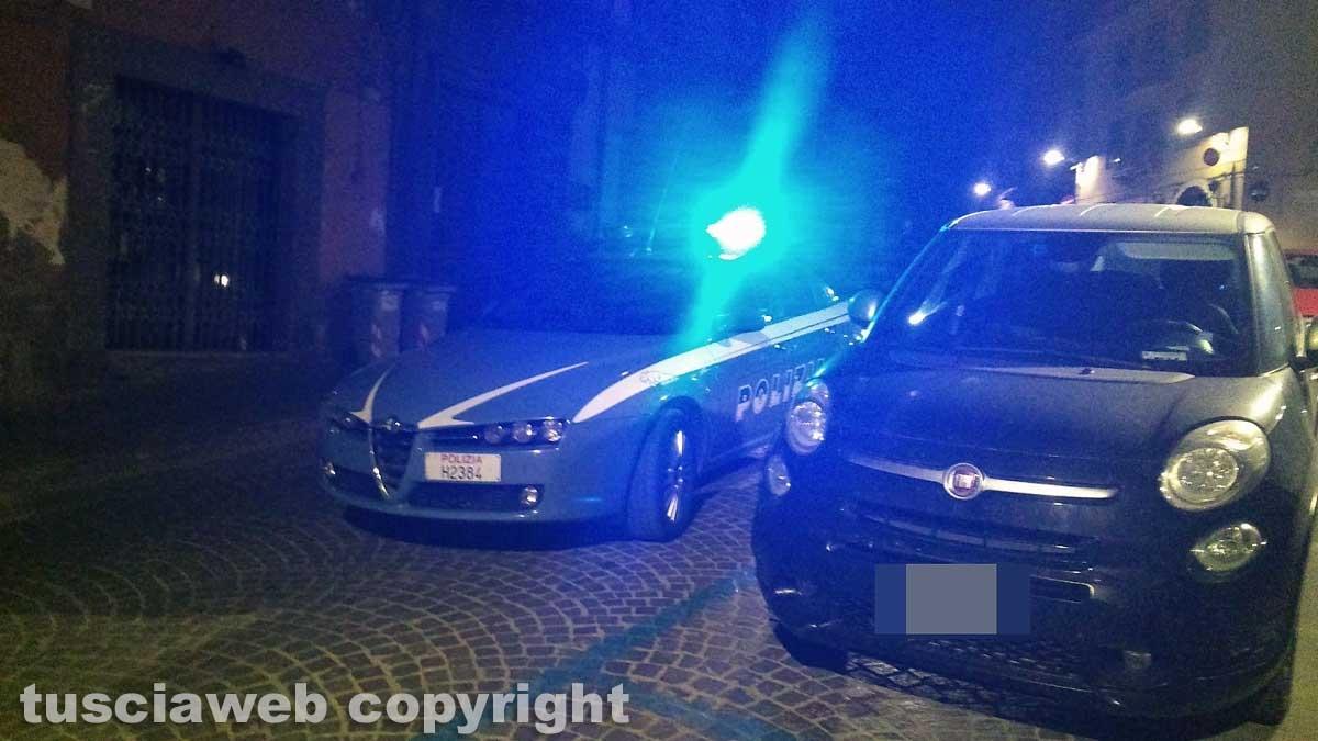 Viterbo - La polizia in via Cairoli