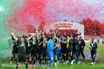 Sport - Calcio - La Viterbese vince la Coppa Italia - I festeggiamenti