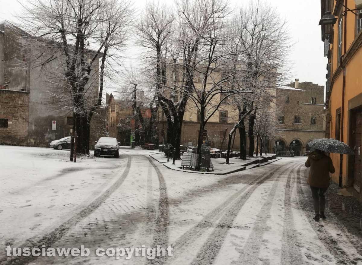 Maltempo - La neve a Viterbo - Piazza della Morte