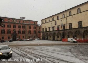 Maltempo - La neve a Viterbo - Piazza del Comune
