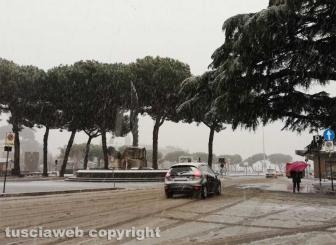 Maltempo - La neve a Viterbo - Piazza del Sacrario