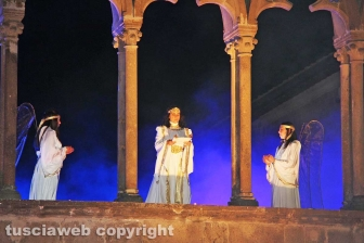 Pasqua - Viterbo - La processione del Cristo morto
