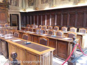 Viterbo - Consiglio comunale - I banchi vuoti della maggioranza