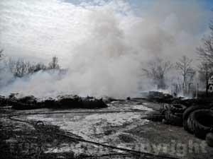 L'incendio nel deposito a Onano
