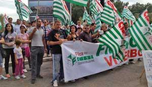 Cisl in piazza per i 36 lavoratori della Mondialtufo