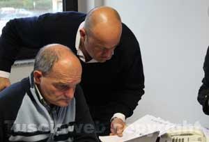 Gianlorenzo nella sede del Pdl per le amministrative del 2013 si occupa dei dati