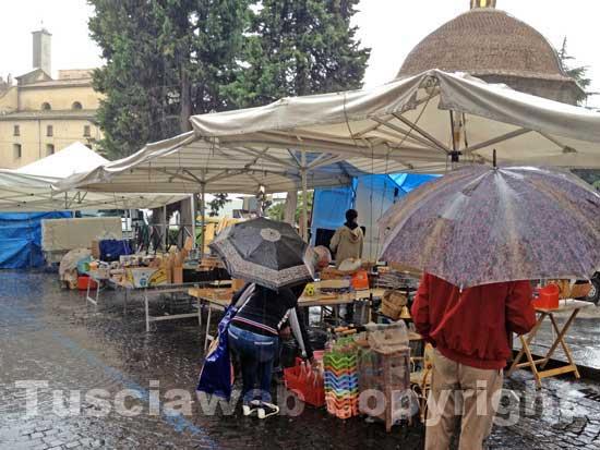 Il mercato al sacrario