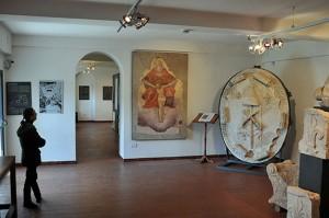 L'affresco esposto al museo di Ischia di Castro