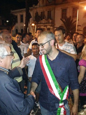 - Antonio-Cozzolino-sindaco-300x400