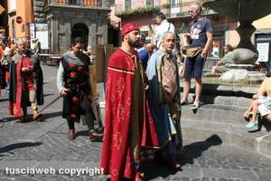 Il corteo storico alla Fiera del vino di Montefiascone
