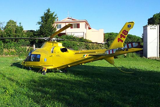 Elicottero E Ambulanza : Incidente sull aurelia muore ciclista tusciaweb eu