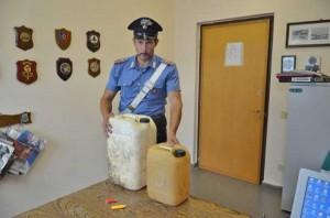 Oriolo Romano - Chiosco incendiato - Le taniche di benzina sequestrate