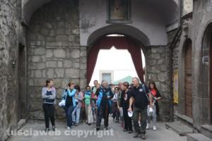In cammino sulle vie dell'esilio di santa Rosa - Ingresso al centro storico a Vitorchiano
