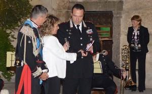 La cerimonia di consegna della targa al comandante provinciale dei carabinieri Mauro Conte