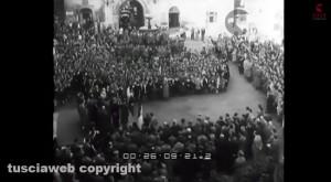 1956, a Sutri si commemora l'eccidio nazista dei 17 avieri sardi