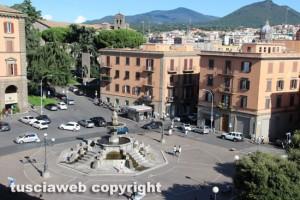 Viterbo vista dalla rocca Albornoz - Piazza della Rocca