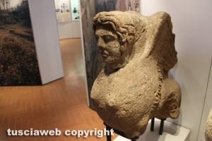 Una delle sfingi del Museo nazionale Etrusco alla rocca Albornoz