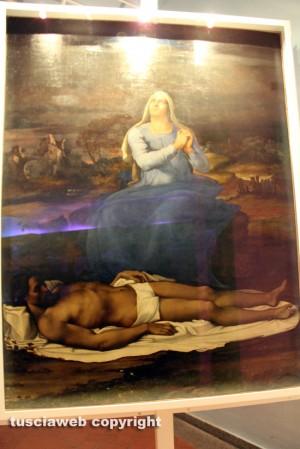 Viterbo - Museo civico - L'orribile illuminazione della Pietà di Sebastiano del Piombo