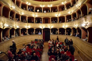 Teatro Boni - Il pubblico allo spettacolo di Nada