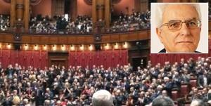 Il parlamento - Nel riquadro il presidente della Repubblica, Sergio Mattarella