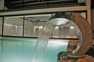 La piscina dell'Hotel Salus Terme a Viterbo