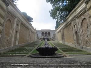 Caprarola - Fontana dei Bicchieri - Palazzo Farnese