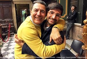 L'abbraccio fra Giulio Marini e Daniele Sabatini