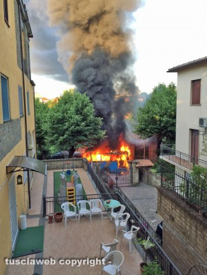 Sutri - Pullman Cotral in fiamme