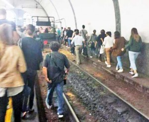 Ferrovia Roma - Civita Castellana - Viterbo - Pendolari sui binari a Flaminio