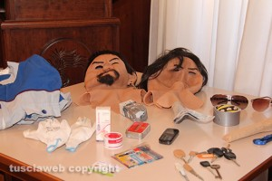 Operazione The Mask - Tutto l'occorrente per le rapine in banca sequestrato dai carabinieri