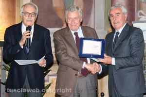 Viterbo - Alessandro Pica, Leonardo Michelini e Riccardo Viola durante la consegna delle onorificenze sportive
