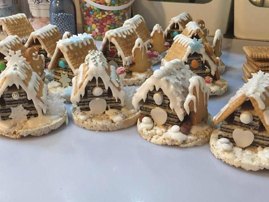 Casetta Di Natale Con Biscotti : La magia del natale nelle tradizioni con i bambini