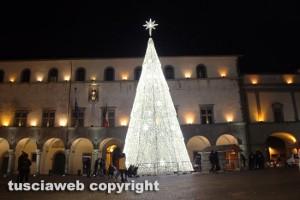 Viterbo - L'albero di Natale a piazza del Comune