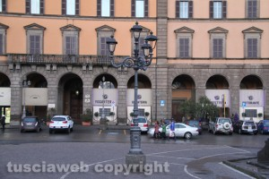 iterbo - Piazza della Rocca - Sullo sfondo, il caffè Grandori