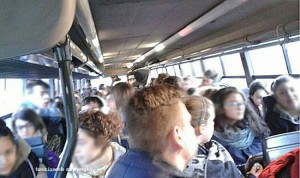 Sovraffollamento in un bus Cotral