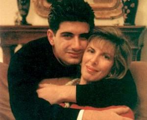 Attilio Manca con la madre Angela