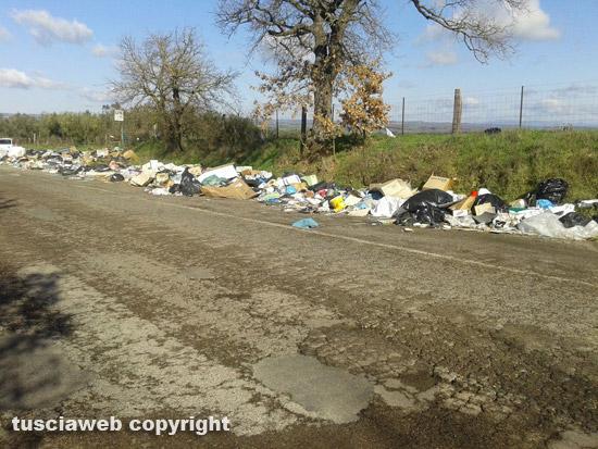 Viterbo discarica del Lazio, ora arrivano pure i rifiuti di Frosinone. Il no