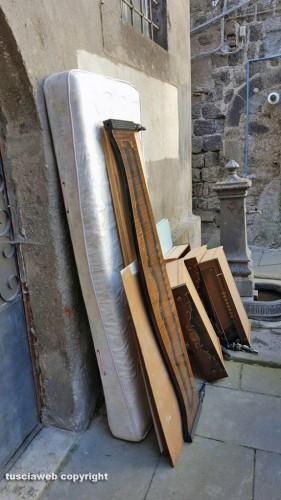 Materasso a pezzi di arredamento a via malatesta for Pezzi di arredamento