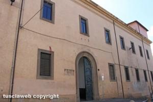 Viterbo - L'ex tribunale a piazza Fontana grande