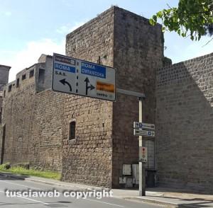Viterbo - Mura civiche - La torre