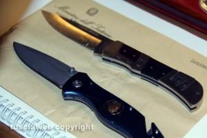 I coltelli sequestrati dalla squadra mobile