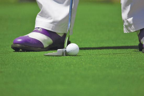 Bambina muore dopo essere stata colpita da una pallina da golf