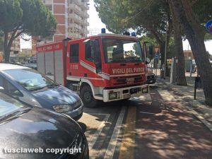 Un intervento dei vigili del fuoco a Tarquinia lido