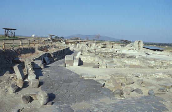 La forza poetica dell 39 acqua in pietra liquida - Caruso porta romana ...